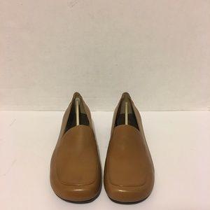 Anne Klein Women's Leather Flats Size 9.5